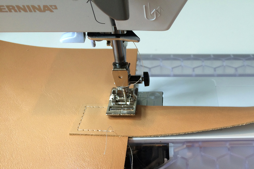 MakingLovely_BrooklynCraftCompany_LeatherTote_sewing.jpg