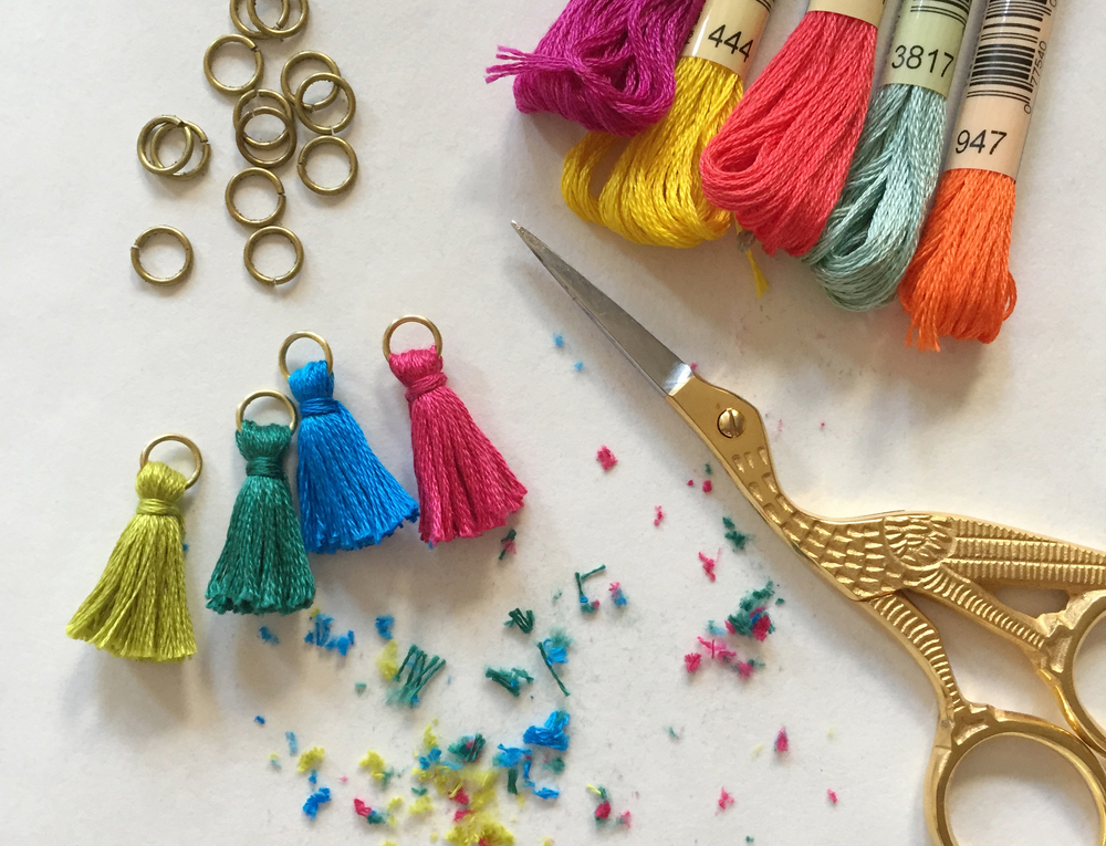 ThenComesColor_Tassel_Necklace_trimming.jpg