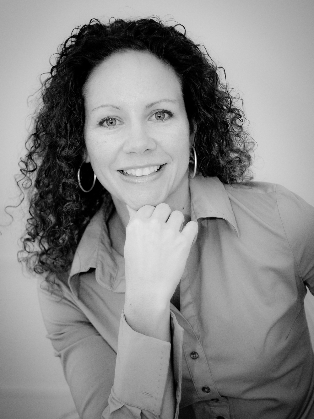 Laura Morelli author photo.jpg