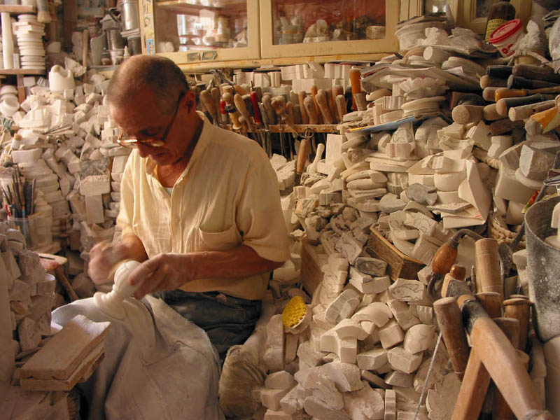 Alabaster workshop in Volterra, Italy 2006 CC Zance
