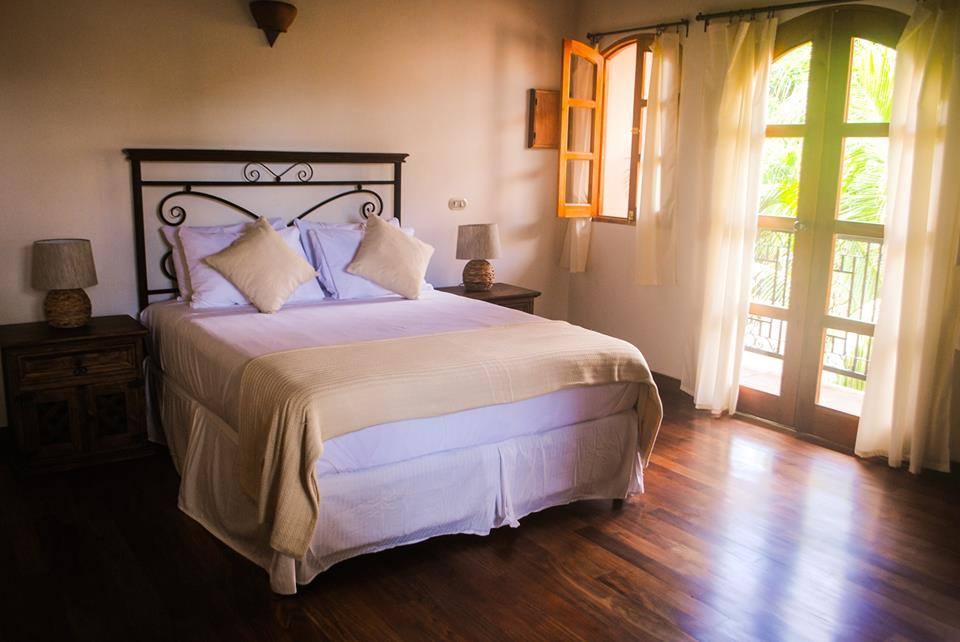 3. Granada Room.jpg