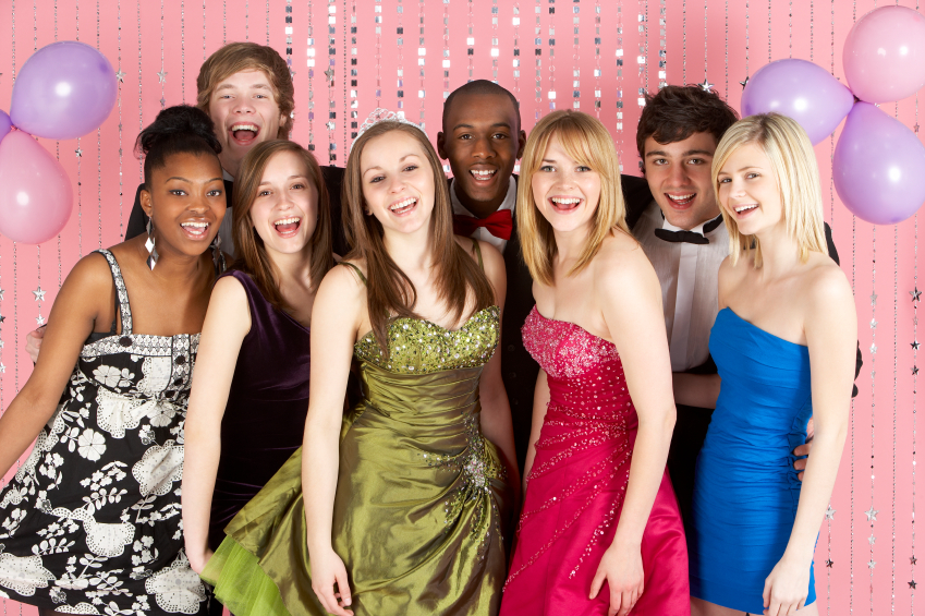 10-iStock_000010631104Small-group-of-teenage-friends-dressed-for-prom.jpg