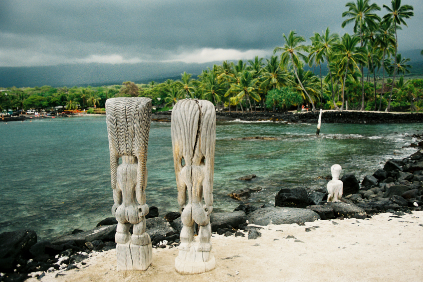 20-iStock_000003962670Small-big-island-hawaii-snorkel-bay-and-antique-beach-tiki-backs.jpg