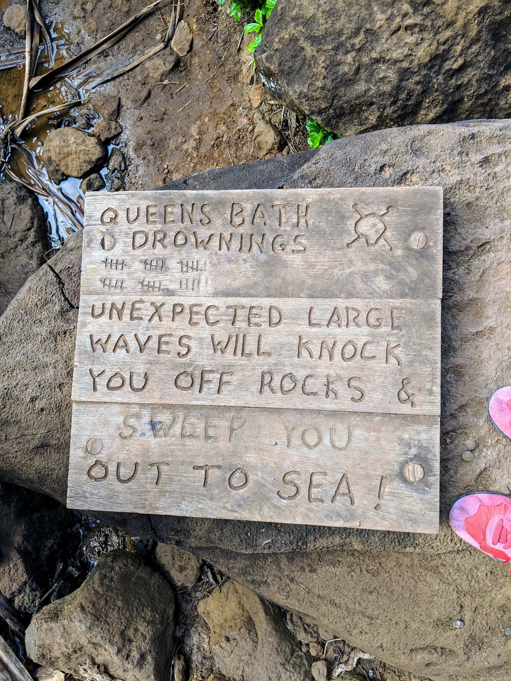 queen's bath: respect the ocean!