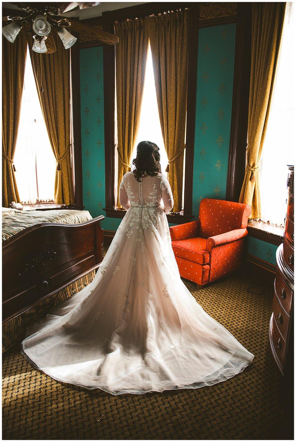 Eureka Springs Wedding-13.jpg