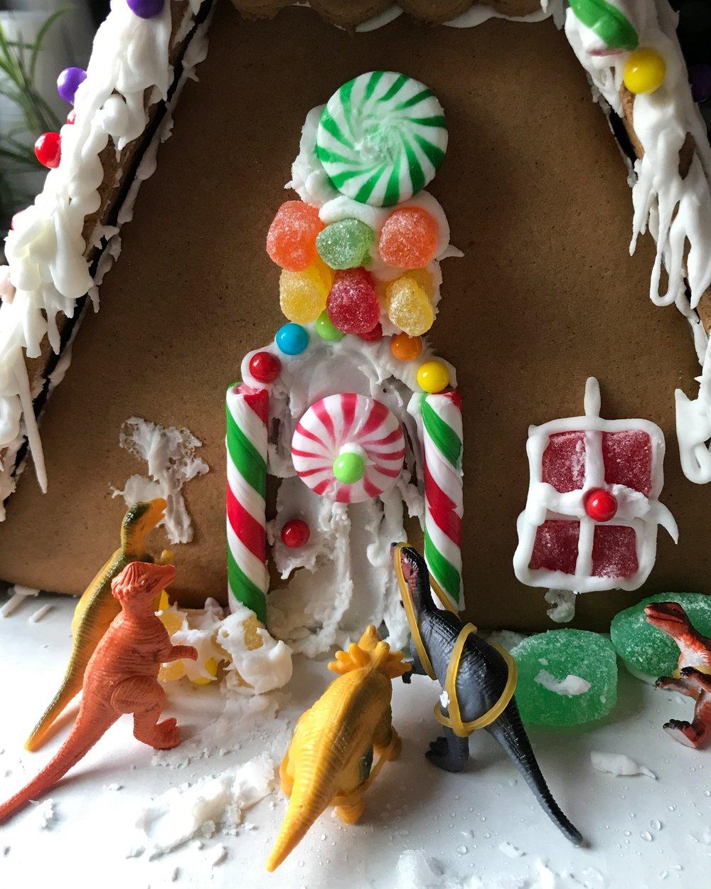 Dinsosaur Gingerbread House | TetherAndFly.com