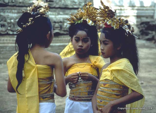 Balinese dancers med.jpg.jpg