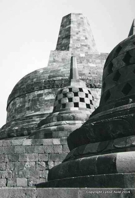 Borobudur Stupae.jpg