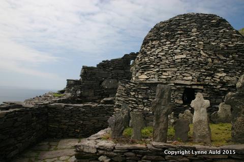 25-Skellig ruins2.jpg