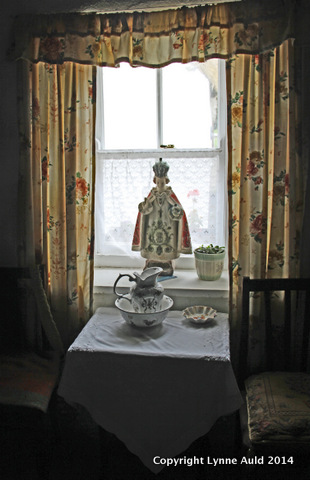 1-Cottage window.jpg