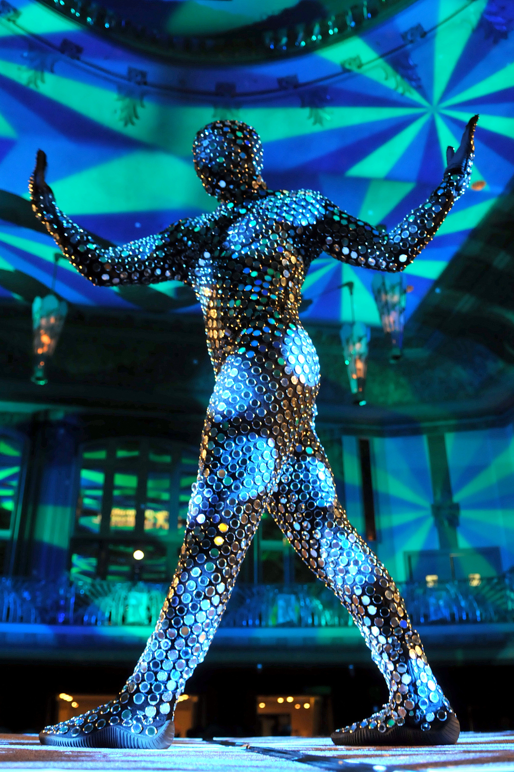 Joe Putignano performing as MIrror Man for Acroback