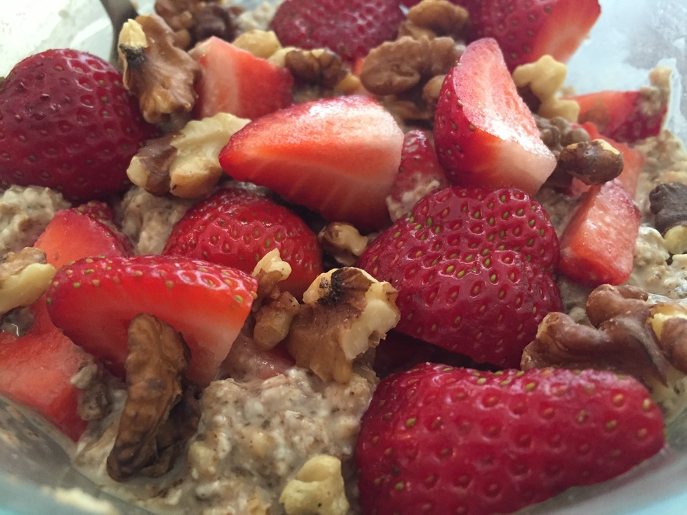 Overnight Oats with Strawberries and Walnuts