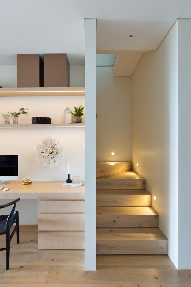 Upon Entering The Original Home, You Were At Once Met With A Narrow  Staircase Which Led To The Bedrooms Upstairs. Navigating Past The Awkwardly  Positioned ...