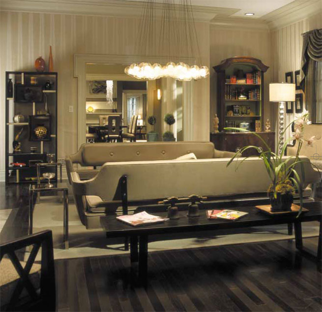 The dynamic duo and (former) partners in crime Brad Pitt and Angelina Jolie create a stylish, sexy home in  Mr and Mrs Smith . . .  One could say it is a house to kill for!