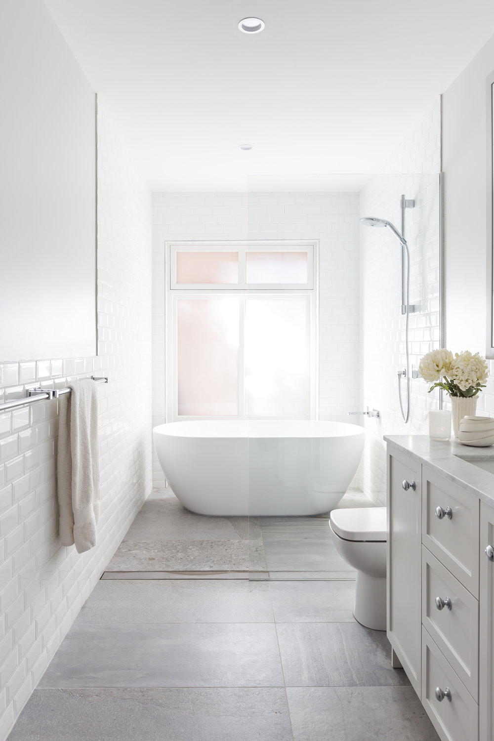 . . . and then post-lunch when somebunny else is soaking the dishes, we'll dream of sinking deep into the serenity of our Victoria Street guest bath. But shhhhh, it will be our  little secret.