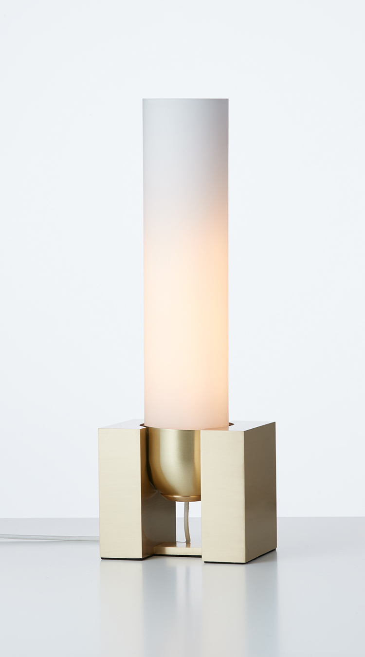 Articolo-Lighting-Float-Standing-Tall-Table-Lamp-Brass-Snow.jpg