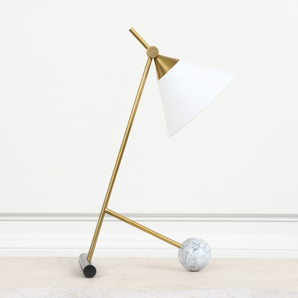 A dramatic use of mixed metals and geometric forms,  Kelly Wearstler's  Cleo desk lamp is the ideal present for the Designer Dad.