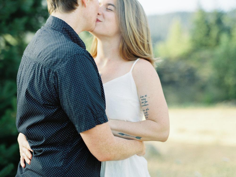 Courtney-Kendra-Govt-Cove-Engagement-12.jpg