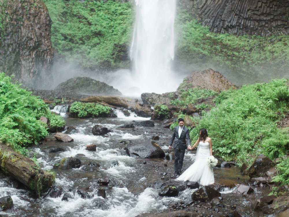 columbia-river-gorge-waterfall-trash-the-dress-wedding-7.jpg