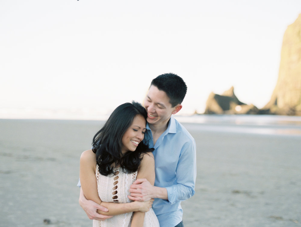 karlcristie-and-joe-engagement-cannon-beach-57.jpg