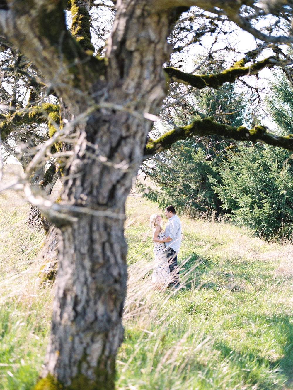 portland-oregon-engagement-photographer-fine-art-film-3.jpg
