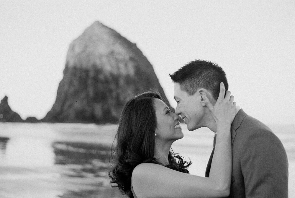 karlcristie-and-joe-engagement-cannon-beach-30 copy.jpg