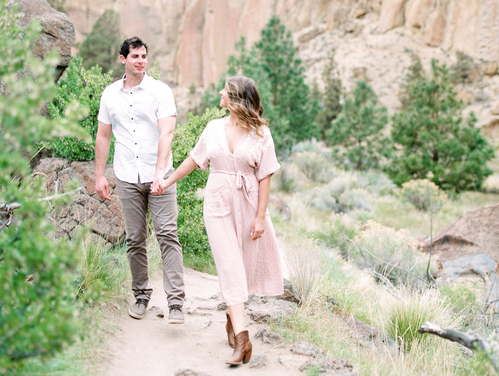 smith-rock-bend-oregon-engagement-photography-14.jpg