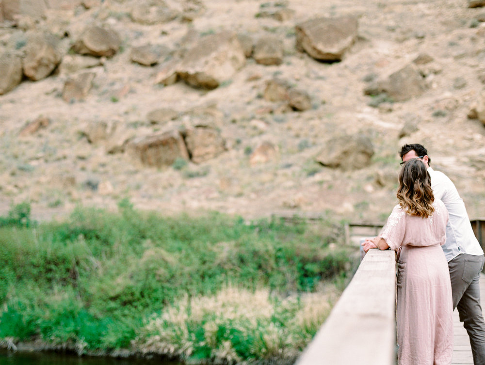 smith-rock-bend-oregon-engagement-photography-30.jpg