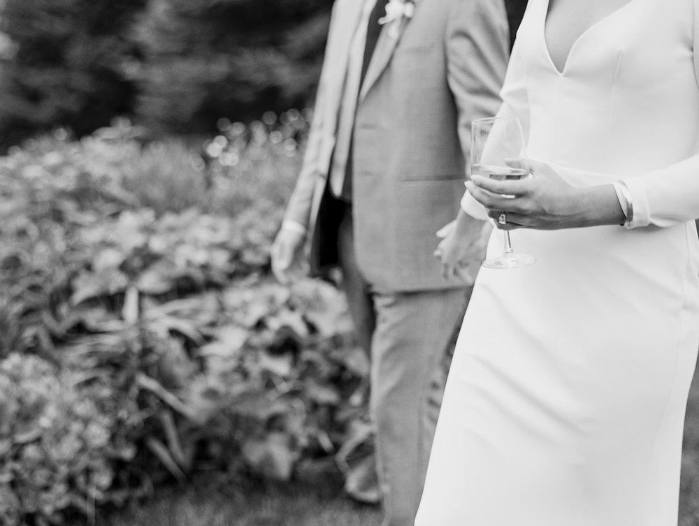 gorge-crest-vineyards-katie-dessin-wedding-photography-66.jpg