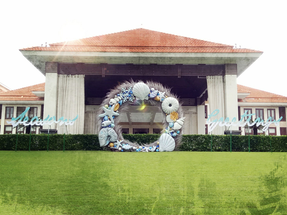 front lawn wreath small.jpg