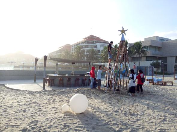 Beach Bar tree con small.jpg