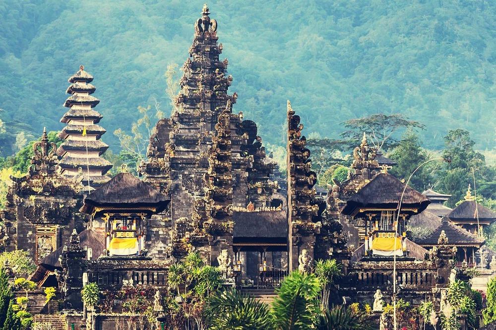 Pura-Besakih-temple-Bali-66.jpg