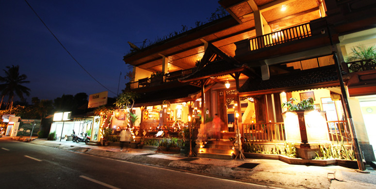 ubud-night.jpg