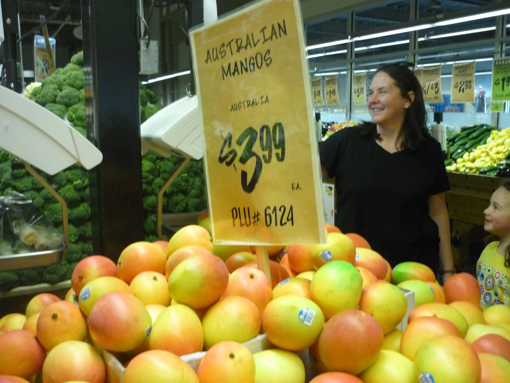 Central Markets in Texas sold the first shipment of Australian mangoes for $3.99UDS per piece