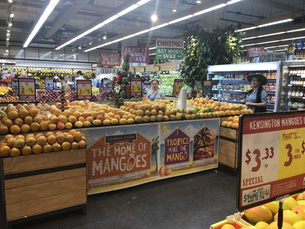 Harris Farm Markets Mango display (Bondi Westfield).