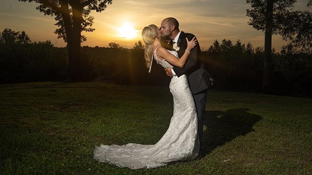 Throwback to this beautiful sunset! . . . . . . . . . . . . . . . . . . #sunset #throwback #throwbackthursday #alabamaphotographer #alabama #weddingphotography ##alweddingphotographer #alabama #wedding #photooftheday #sony #a7iii