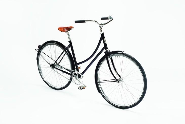Pelago Brooklyn   Brooklyn on klassinen kaupunkipyörä, jossa on melko pysty ajoasento ja siksi se sopii hyvin kauppareissuille,lasten kuljetukseen ja lyhyeen kaupunkiajoon.