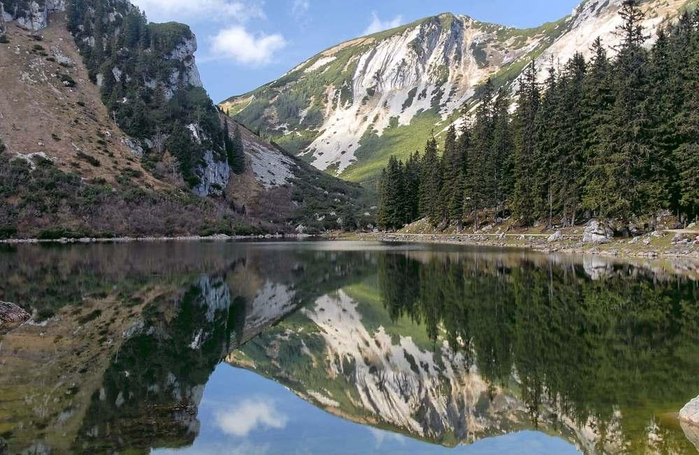 Soinsee http://de.wikipedia.org/wiki/Soinsee#mediaviewer/Datei:Mangfallgebirge_Soinsee.jpg