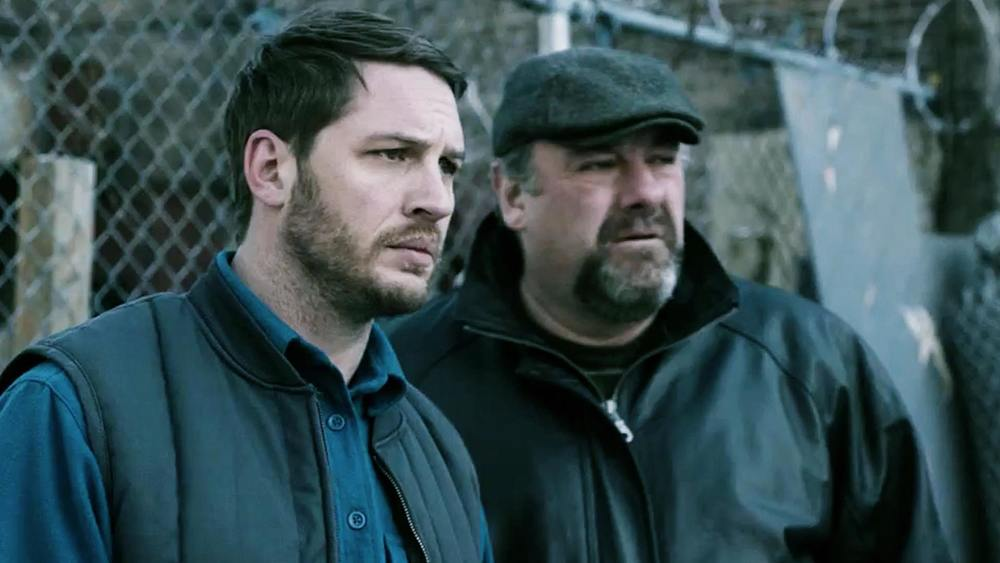 The Drop  (2014): Tom Hardy and James Gandolfini.