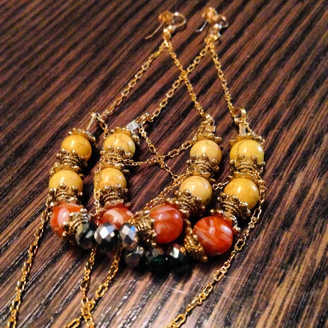 Quick overnight order for a very special person. The Janet earrings are made of brass chain, natural beads, and gold filled findings. Go to  www.charmedfeathers.com  to preorder the collection. #charmedfeathers #newcollection #specialorders #thebutterflylink #thebutterflylinkcollection #grind