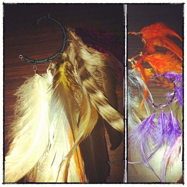 onsexualpaper :     After being verbally attacked and praised all day for my feather cuff earring, its a sign that I need to add these to the website. I made a few for myself quickly to add to my outfits but they seem to be in demand.