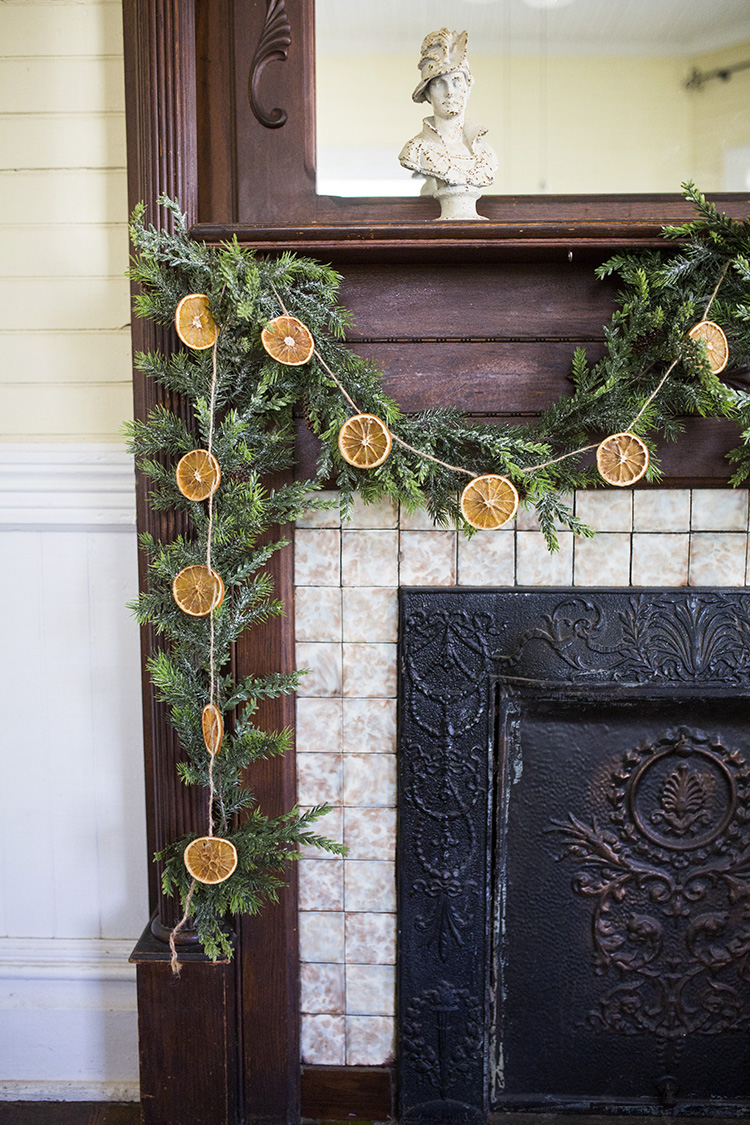 DIY Orange Christmas Garland