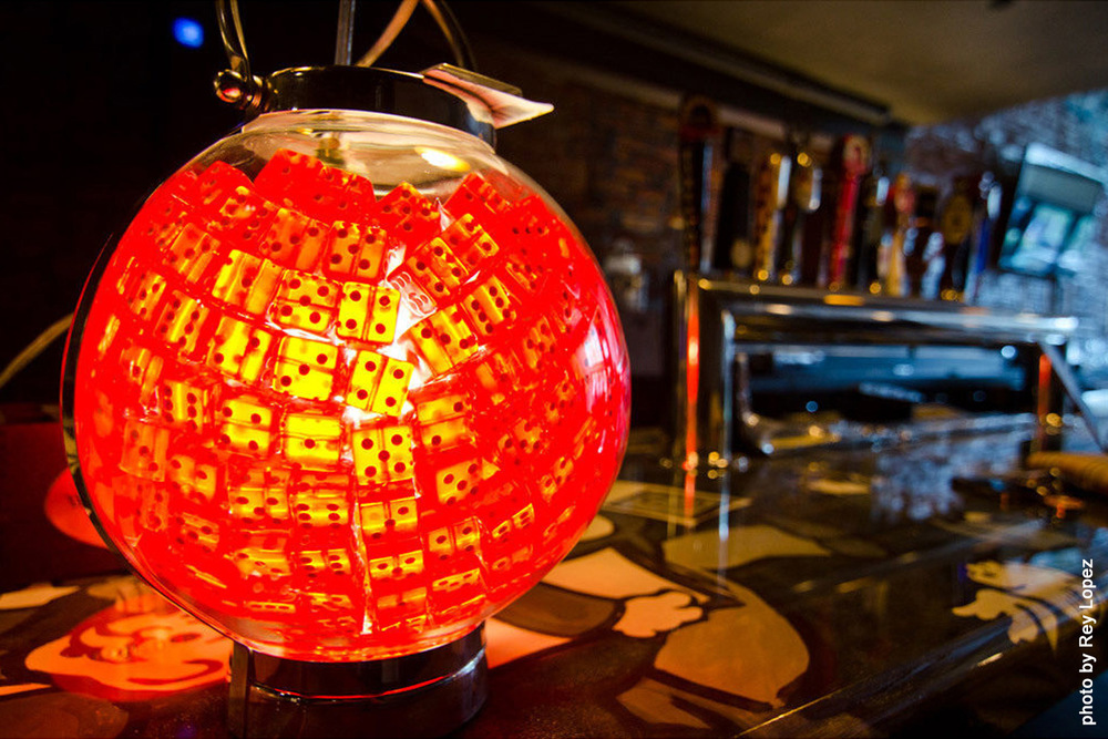 Dice globe lamp