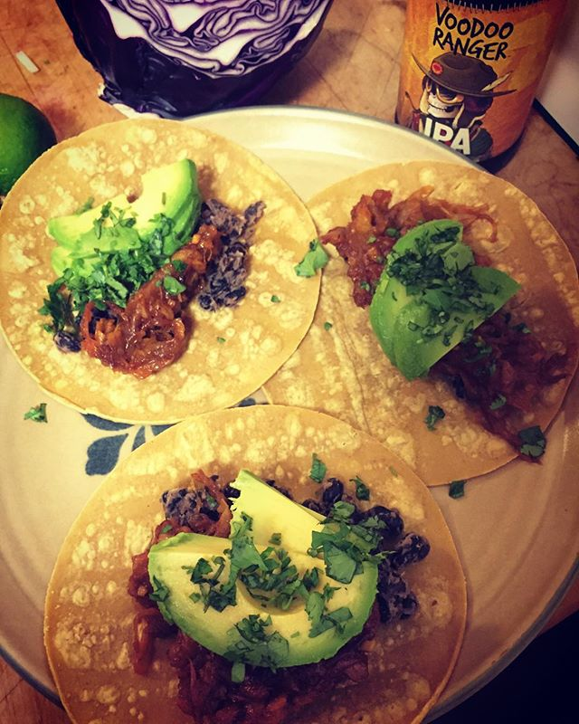 Experimented with some jackfruit pulled pork tacos last night. The sweet, smokey flavor paired perfectly with a couple of tropical @newbelgium Voodoo Ranger IPAs. Definitely going to put this recipe in the rotation! Shoutout to @berkeleybowl's amazing fresh produce selection. #tacos #ipa #avocado #jackfruit #tropical #vegan #craftbeer