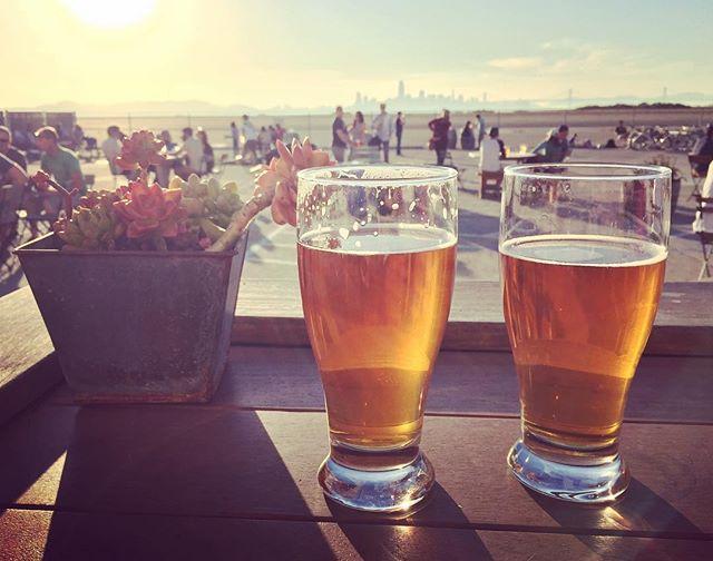 Golden hour biers at @factionbrewing. #saturday #oakland #alameda #island #beer #craftbeer #ipa #drinklocal