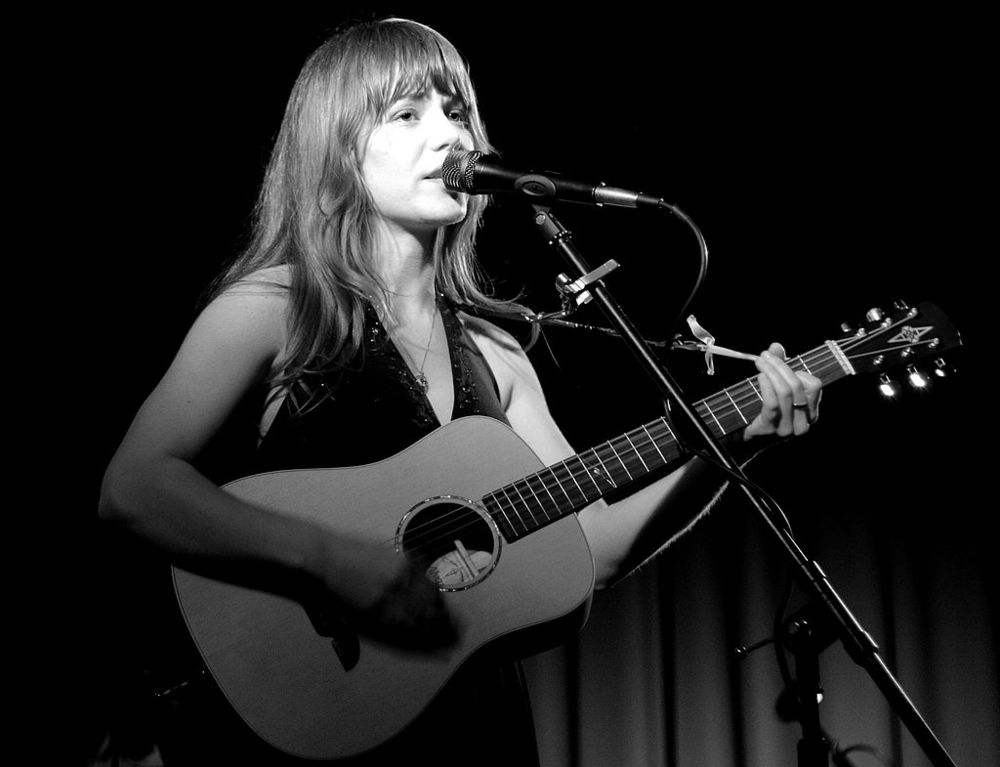 Jenny Lewis performing in 2006 (credit: Wikipedia)