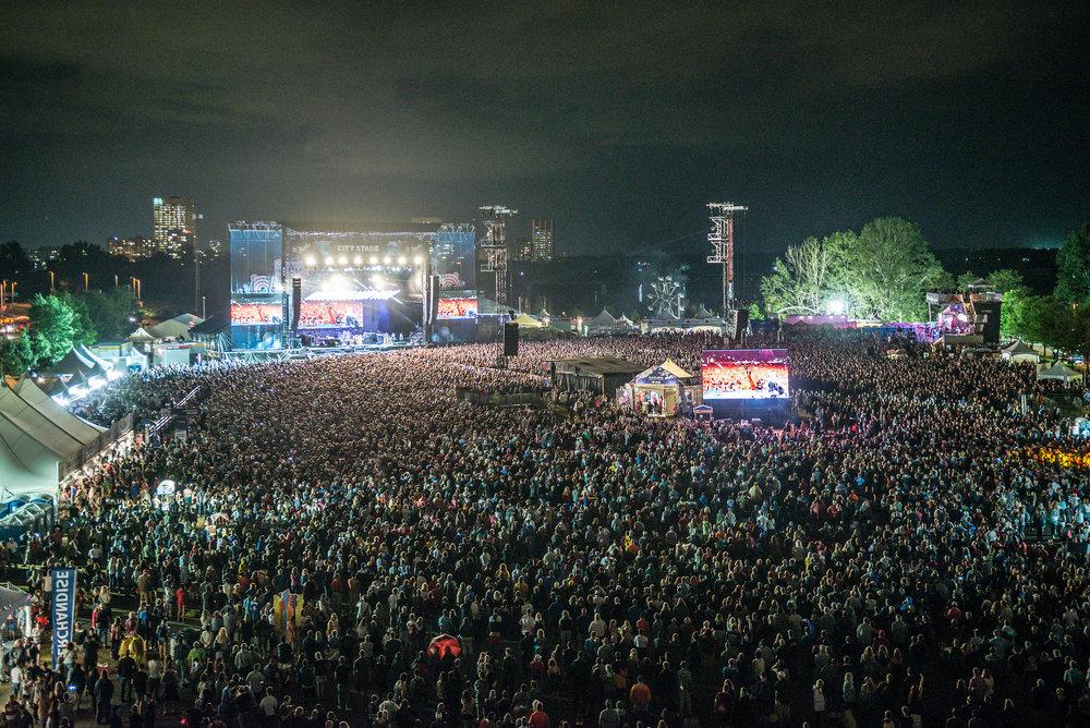 137 million people at Tom Petty and the Heartbreakers - Ottawa Bluesfest 07-16-2017 Photo: Steve Gerecke - courtesy of Ottawa Bluesfest