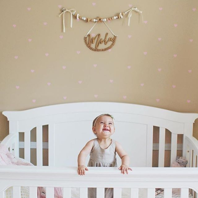 Its FRI-YAY and we've got all the same feels as @michelleandtheminis little cutie❤️ 🎉💥 featuring our custom name fern hanging above her adorable crib 🙌