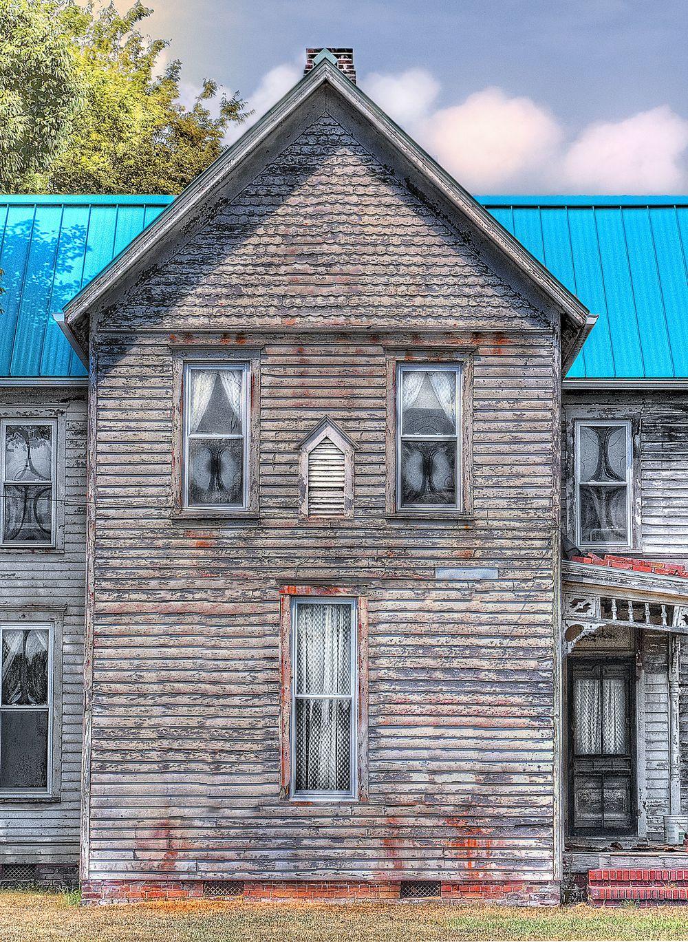 frt wht house12.jpg