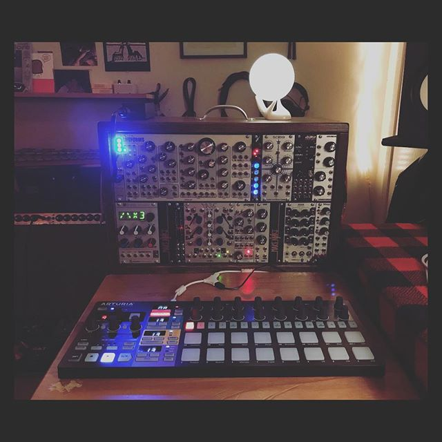Go to your happy place. This little rig I put together is shaping up. :) #modularsynth #eurorack #synthesis #producer #songwriter #makenoise #mutableinstruments #pittsburghmodular #studioelectronics #audiodamage #expertsleepers #losangeles
